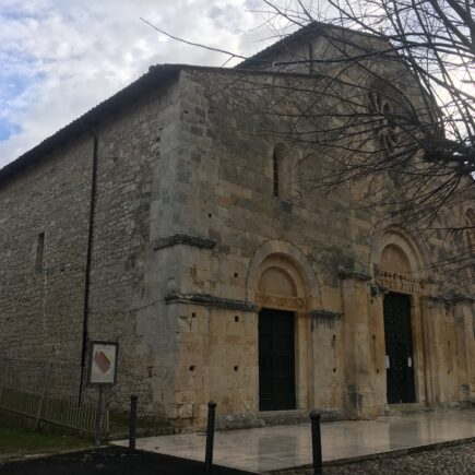 https://www.salgoalsud.it/2020/05/02/una-cripta-dacqua-sorgiva-in-abruzzo-fra-paganesimo-e-cristianita/